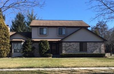 Livonia Single Family Home For Sale: 18774 Canterbury Drive