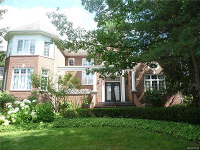 West Bloomfield Twp MI Single Family Home For Sale: $699,900
