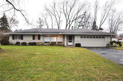 Troy Single Family Home For Sale: 72 Kirk Lane Drive