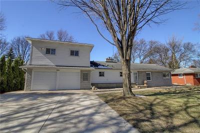 Harrison Twp Single Family Home For Sale: 39693 Memory Lane