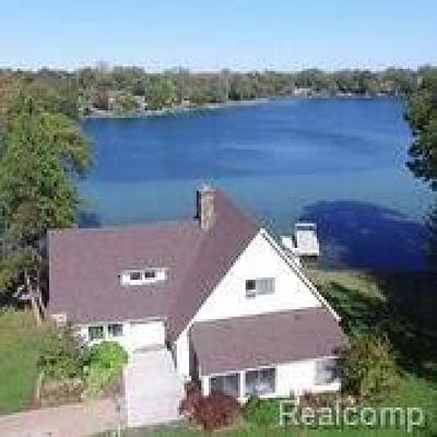 Single Family Home For Sale: 6390 Commerce Road