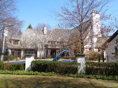 Bloomfield Hills Single Family Home For Sale: 2010 W Valley Road