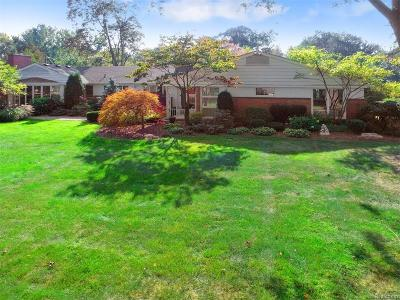 Bloomfield Twp MI Single Family Home For Sale: $424,900