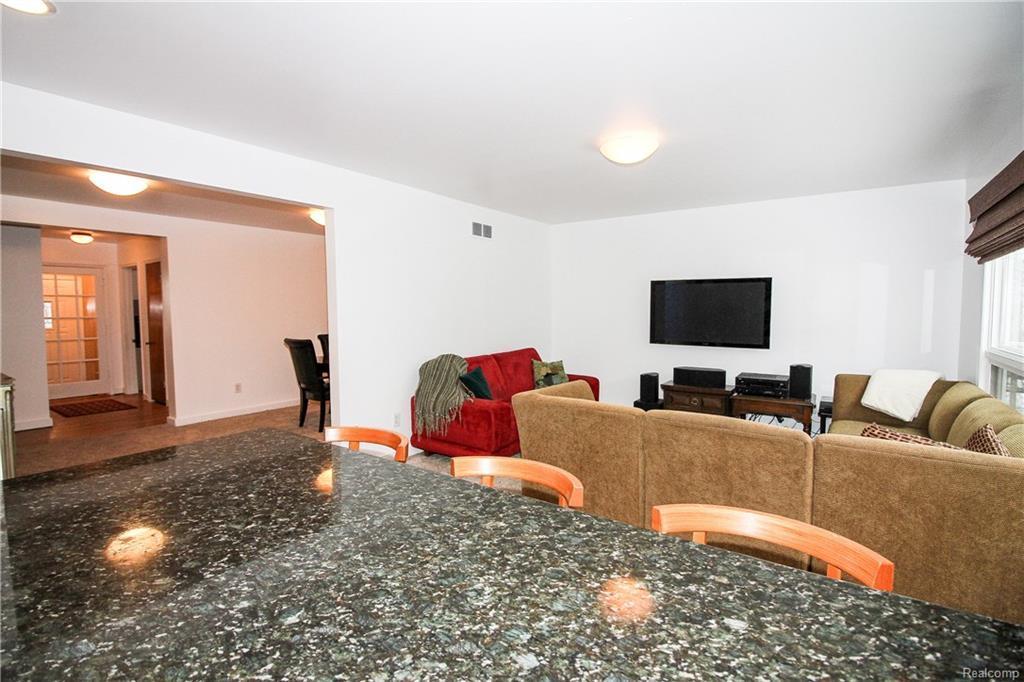 10114 Nadine Avenue Huntington Woods, MI. | MLS# 218017880 | Welcome ...