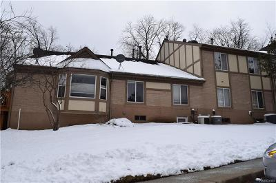 Novi Condo/Townhouse For Sale: 44750 Bayview Drive #43