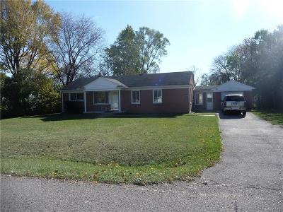 Southfield Single Family Home For Sale: 21761 N Tuller Court