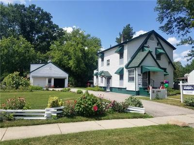 Redford Twp Single Family Home Contingent - Continue To Show: 15109 Aubrey