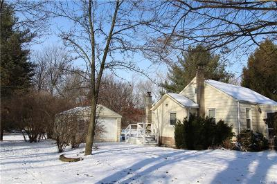 Livonia Single Family Home For Sale: 18271 Lathers Street