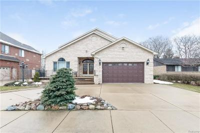 Dearborn Heights Single Family Home For Sale: 211 N Charlesworth Street