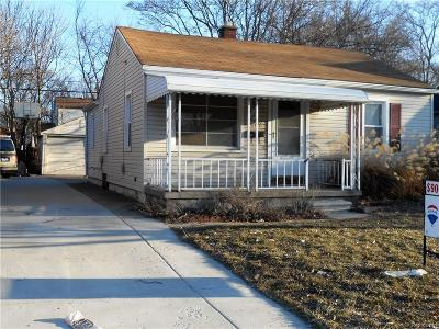 Hazel Park Single Family Home For Sale: 629 E Meyers Avenue E