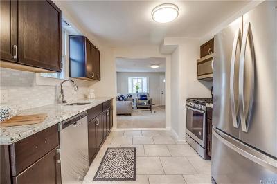 Sterling Heights, Washington, Washington Twp, Bloomfield Hills, Bloomfield Twp, Novi, Royal Oak, Royal Oak Twp Single Family Home For Sale: 137 Pickford Street