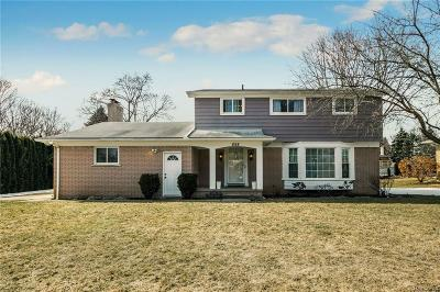 Rochester Single Family Home For Sale: 898 Lynndale Drive