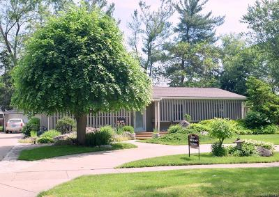 Bloomfield Twp MI Single Family Home For Sale: $415,900