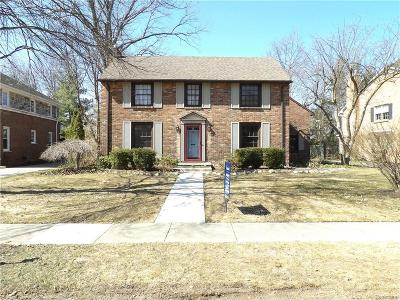 Bloomfield Twp Single Family Home For Sale: 419 Westwood Drive