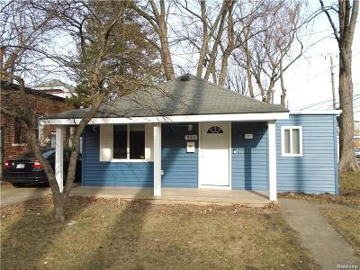 Ferndale Single Family Home For Sale: 926 Laprairie