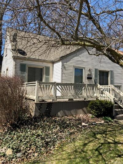 Royal Oak Single Family Home For Sale: 3315 Ellwood Avenue