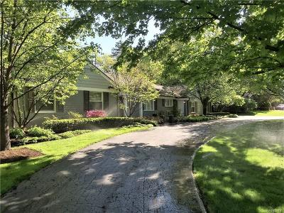 Bloomfield Hills MI Single Family Home For Sale: $939,000