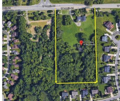 Novi Single Family Home For Sale: 41121 14 Mile Road