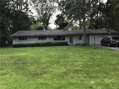 West Bloomfield, West Bloomfield Twp Single Family Home For Sale: 6920 E Dartmoor Road