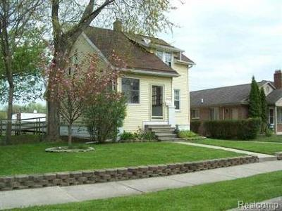 St. Clair Shores MI Single Family Home For Sale: $124,900