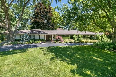 Bloomfield Hills Single Family Home For Sale: 710 Kennebec Court