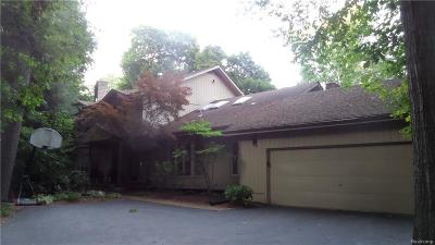 Bloomfield Twp MI Single Family Home For Sale: $589,000