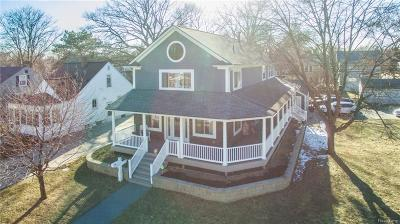 Royal Oak Single Family Home For Sale: 1006 Mohawk Avenue