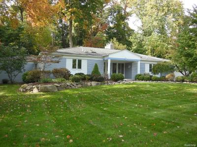 Bloomfield Twp Single Family Home For Sale: 4776 Pickering Road