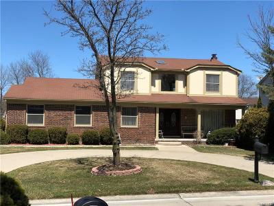 West Bloomfield Single Family Home For Sale: 6270 Laurain Court