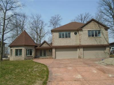Grosse Ile Twp MI Single Family Home For Sale: $600,000