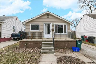 Hazel Park Single Family Home For Sale: 316 E George Avenue