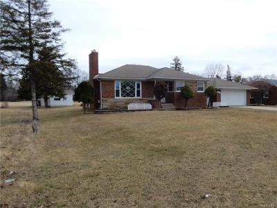 Clinton Twp Single Family Home For Sale: 36064 Garfield Road