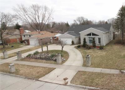 Southfield Single Family Home For Sale: 21191 Andover Road