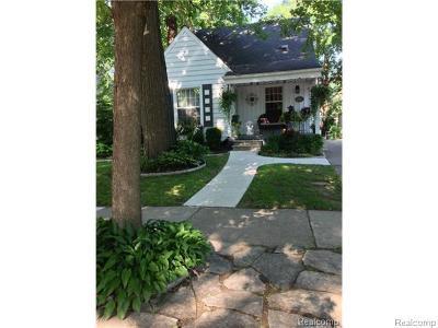 Royal Oak Single Family Home For Sale: 1110 Hoffman Avenue