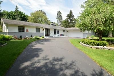 Bloomfield Twp Single Family Home For Sale: 3497 Bennington Court