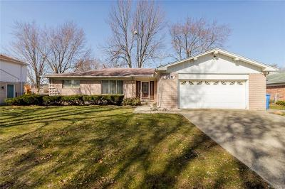 Dearborn Heights Single Family Home For Sale: 385 Norborne Avenue