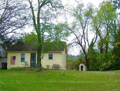 Commerce Twp Single Family Home For Sale: 8161 Eldora Boulevard