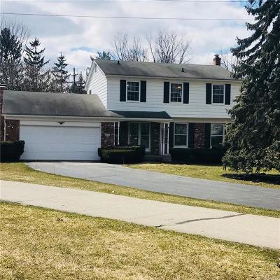 Bloomfield Twp Single Family Home For Sale: 2778 Plum Brook Drive