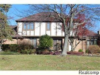 West Bloomfield Single Family Home For Sale: 4908 Lake Bluff Road
