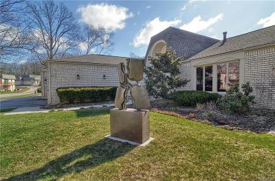 Bloomfield Twp Condo/Townhouse For Sale: 5158 Woodlands Trail