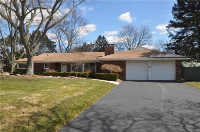 Rochester Hills Single Family Home For Sale: 1597 Northumberland Drive