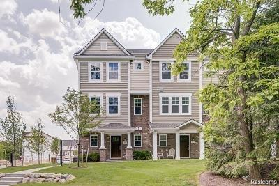 Wixom Condo/Townhouse For Sale: 3155 Chambers