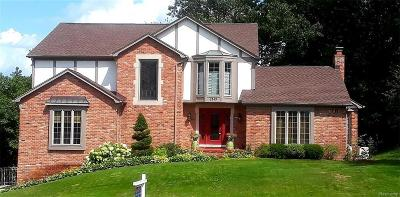 Oakland Twp MI Single Family Home For Sale: $354,899
