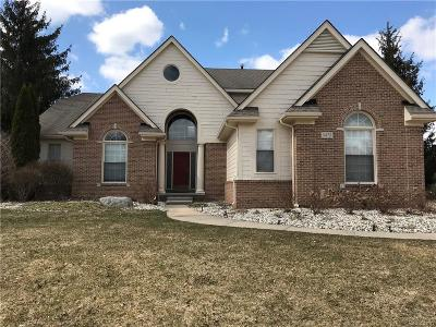 West Bloomfield Twp Single Family Home For Sale: 6472 Wyndham Drive