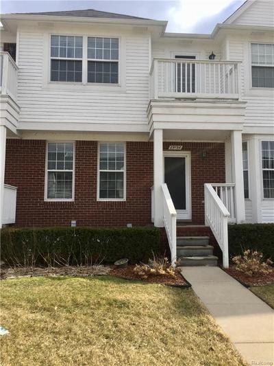 Chesterfield Twp Condo/Townhouse For Sale: 29196 Philadelphia Drive