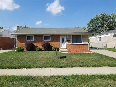St Clair Shores, Roseville, Fraser, Harrison Twp Single Family Home For Sale: 18347 E 13 Mile Road