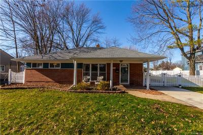 Royal Oak Single Family Home For Sale: 4204 W Webster Road