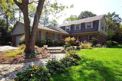 Bloomfield Twp Single Family Home For Sale: 462 Steeple Chase Court