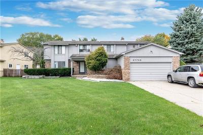 Farmington Hills Single Family Home For Sale: 37753 Hollyhead
