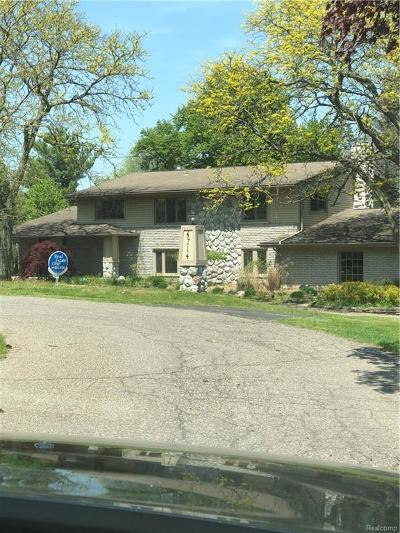 Bloomfield Twp Single Family Home For Sale: 4714 Pickering Road